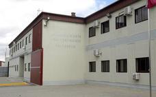 La dueña de viajes Vibolid llega a la prisión de Valladolid para sentarse en el banquillo