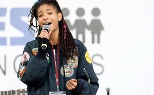 Willow Smith ha desvelado que durante su infancia se hizo cortes en las muñecas
