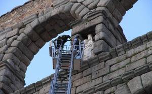 ¿Alguien quiere patrocinar la sustitución de la Virgen del Acueducto por una réplica?