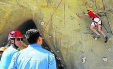 Niños en situación vulnerable de Palencia disfrutan de la Roca