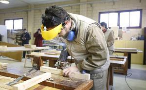 El Consistorio convoca 125 becas de formación para desempleados