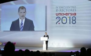 Felipe VI reclama «nuevas ideas» y reformas para afrontar «de modo solvente» los desafíos de la educación superior