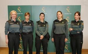 La mujer cumple 30 años en la Guardia Civil con 48 efectivos en Palencia