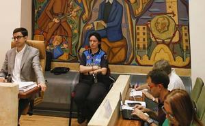 La Justicia obliga a retirar la efigie de Franco del salón de plenos del Ayuntamiento de Salamanca
