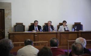 José Antonio Pascual formaliza su ingreso en el Centro de Estudios Salmantinos