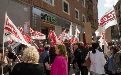 Casi 9.000 trabajadores sin convenio por el bloqueo de la negociación colectiva