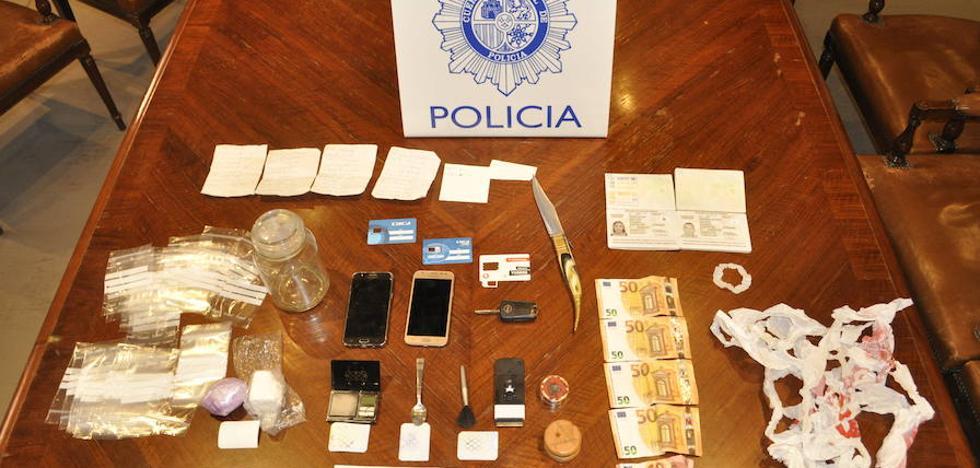 La droga incautada a los tres detenidos valdría 7.500 euros