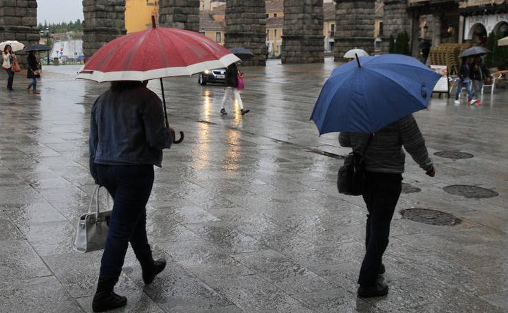 Llueve con intensidad en Segovia