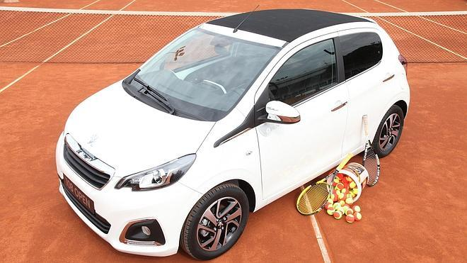 Peugeot 108 Open, top spin