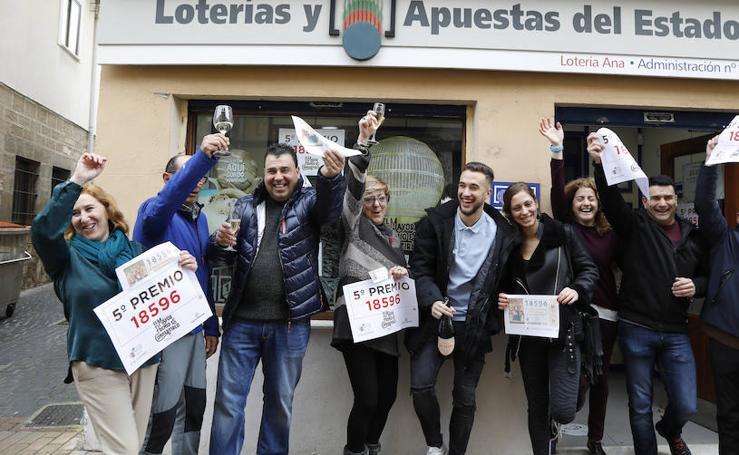 La Lotería de Navidad llega a Dueñas en forma de un quinto premio