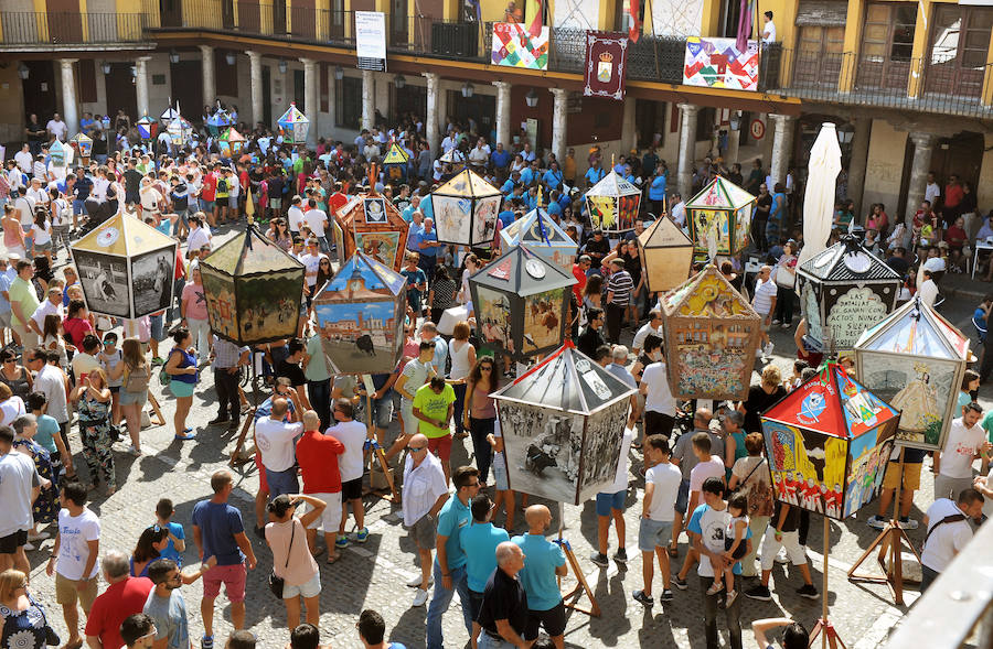 Concurso de faroles en la Plaza Mayor de Tordesillas