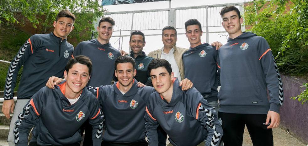 El Real Valladolid hace contrato profesional a siete canteranos