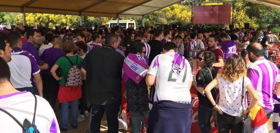 Nervios y muchas ganas de 'play-off' en la 'fan zone' del Real Valladolid