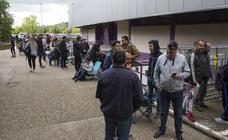 Colas en el estadio Zorrilla para adquirir entradas para el Numancia-Real Valladolid