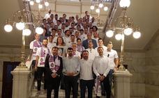 El Real Valladolid recibe el homenaje de las instituciones