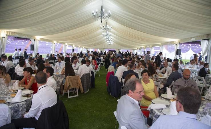 Cena sobre el césped de Zorrilla para celebrar los 90 años del Real Valladolid
