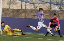 El pichichi del Juvenil promociona al Real Valladolid B y firma hasta 2020