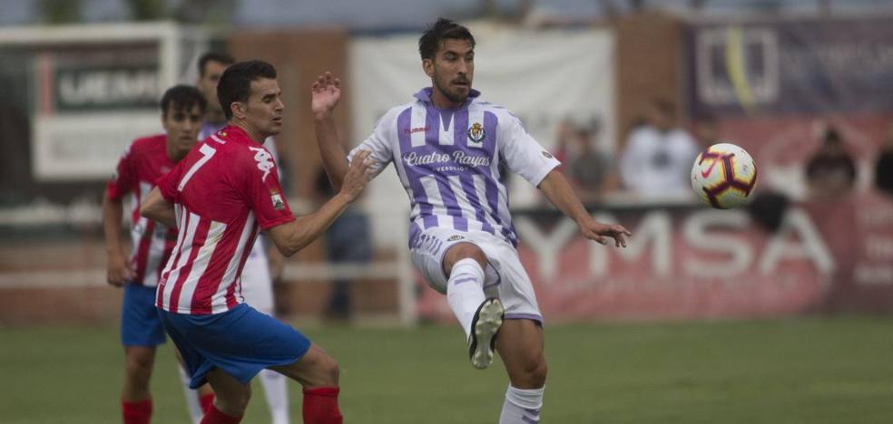 El Real Valladolid golea en Tordesillas