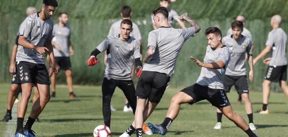 Goles y el runrún de un inminente fichaje presiden el entrenamiento en Marbella