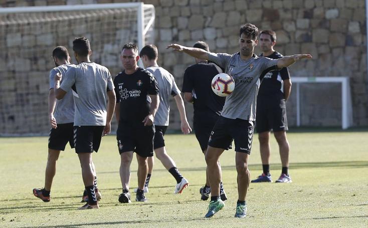 El Real Valladolid sigue con los entrenameintos en Marbella