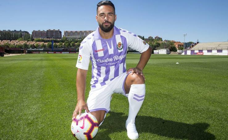 Presentación de Ivi como nuevo jugador del Real Valladolid