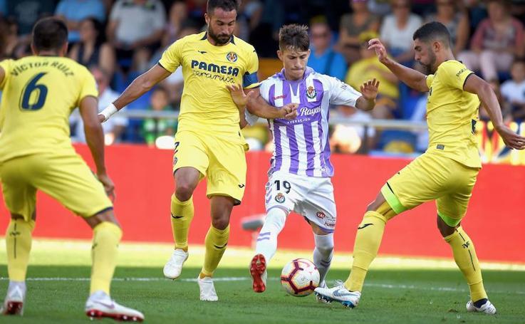 Partido de liga entre el Villarreal y el Real Valladolid