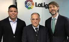 Ronaldo y Suárez presentan a Tebas el proyecto del Real Valladolid