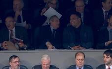 Vídeo: Florentino y Ronaldo, encuentro de presidentes en el palco del Bernabéu