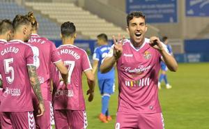 Mata recibe el Pichichi por sus 35 goles con el Real Valladolid