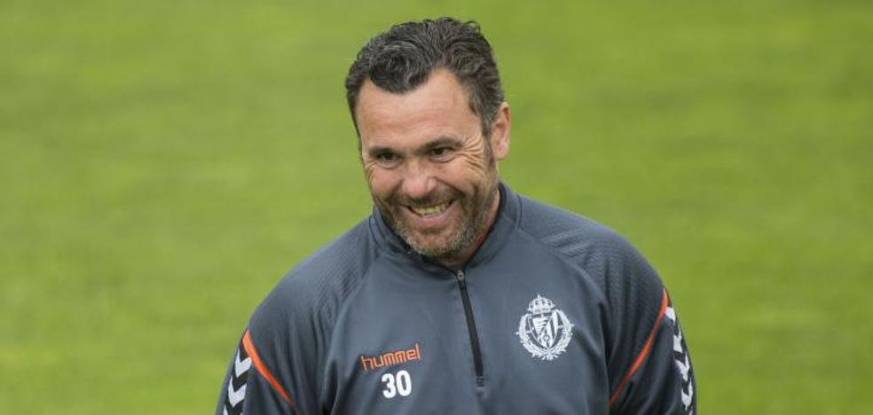 Sergio confirma el debut de Joaquín y la titularidad de Antoñito