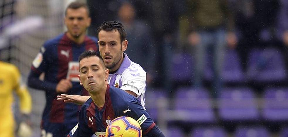 Kiko Olivas y Salisu se entrenan con normalidad con el Real Valladolid