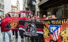 Fotos: aficionados del Atlético de Madrid en Valladolid