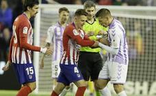 El vestuario del Real Valladolid, indignado: «No entendemos por qué una mano se va a ver y la otra no»