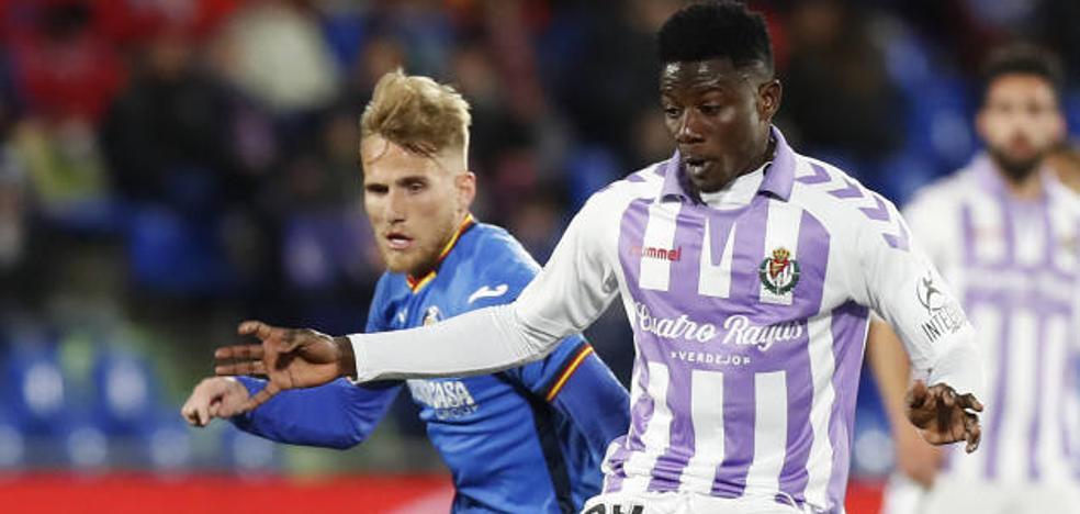 Salisu debutó con el Real Valladolid con una actuación notable de regusto amargo