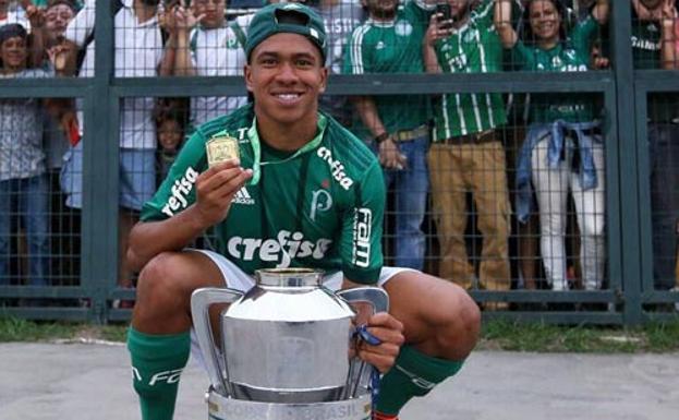 Ronaldo Intento Hasta El Ultimo Momento La Incorporacion Del Lateral Lucas Esteves El Norte De Castilla