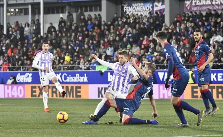 SD Huesca 4 - 0 Real Valladolid