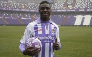 El Real Valladolid se lleva a Stiven Plaza a Barcelona