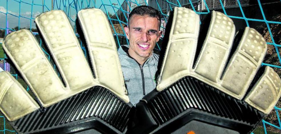 Masip, portero del Real Valladolid: «El preparador, Yoel y yo decidimos hacia dónde tirarnos en los penaltis»