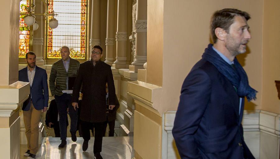 Ronaldo Nazário y Óscar Puente se reúnen en el Ayuntamiento de Valladolid