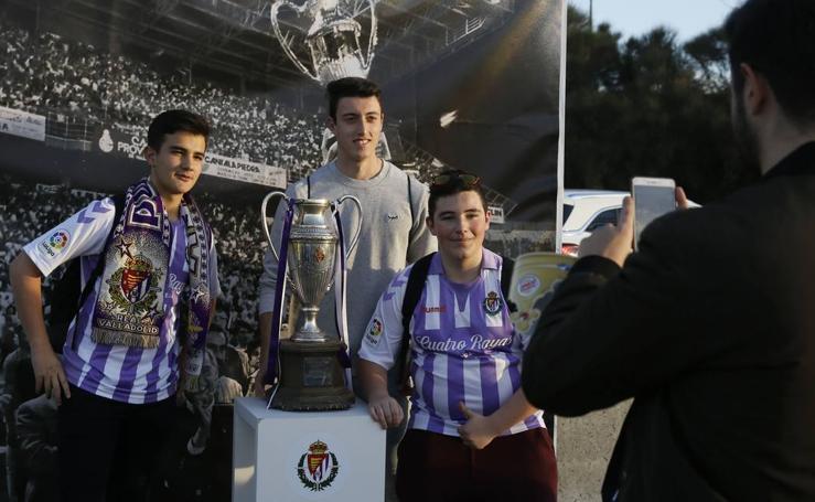 Diversión en la 'Fan Zone' del Real Valladolid