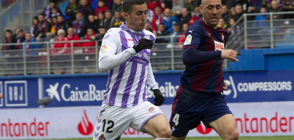 Sergi Guardiola, el mejor del Real Valladolid en la victoria ante el Eibar