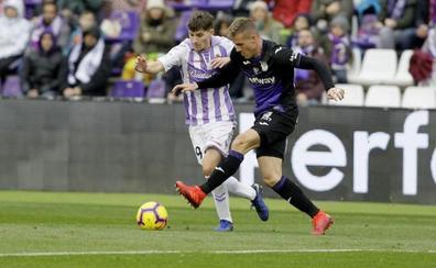 El Real Valladolid recupera a Toni Villa, el hombre de la bota a un balón pegada