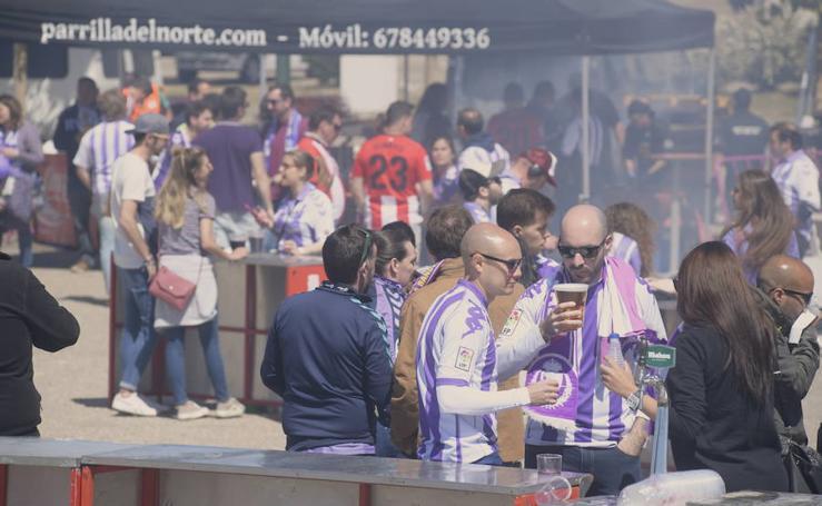 Ambiente en la fanzone del Real Valladolid antes del encuentro