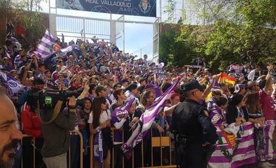 Los jugadores de Real Valladolid y Athletic supieron hora y media antes del partido lo que les esperaba en Zorrilla