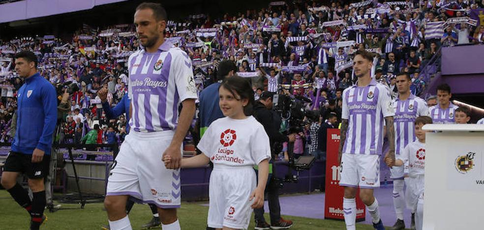 Nacho agradece el gesto de la afición del Rayo: «Es gente adorable dispuesta siempre a ayudar»