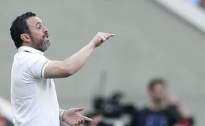 Sergio anuncia minutos para los menos habituales en un once con «Borja y diez más»