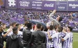 La fiesta de la permanencia del Real Valladolid tuvo dos regalos