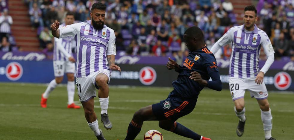 Daniele Verde, el mejor jugador del Real Valladolid en el choque ante el Valencia