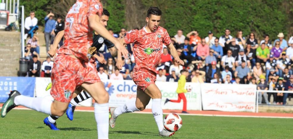 El Real Valladolid negocia con el Guijuelo el traspaso de Manu Fuster