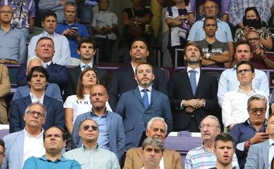 Óscar Puente espera reunirse con Ronaldo para tratar el precio del estadio